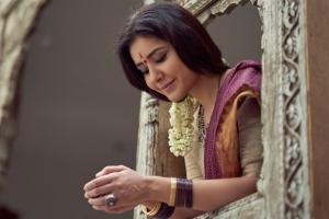 Actress Rashi Khanna Latest Saree Photoshoot Pics