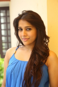 Actress Rashmi Gautam Pictures @ Guntur Talkies Movie Press Meet