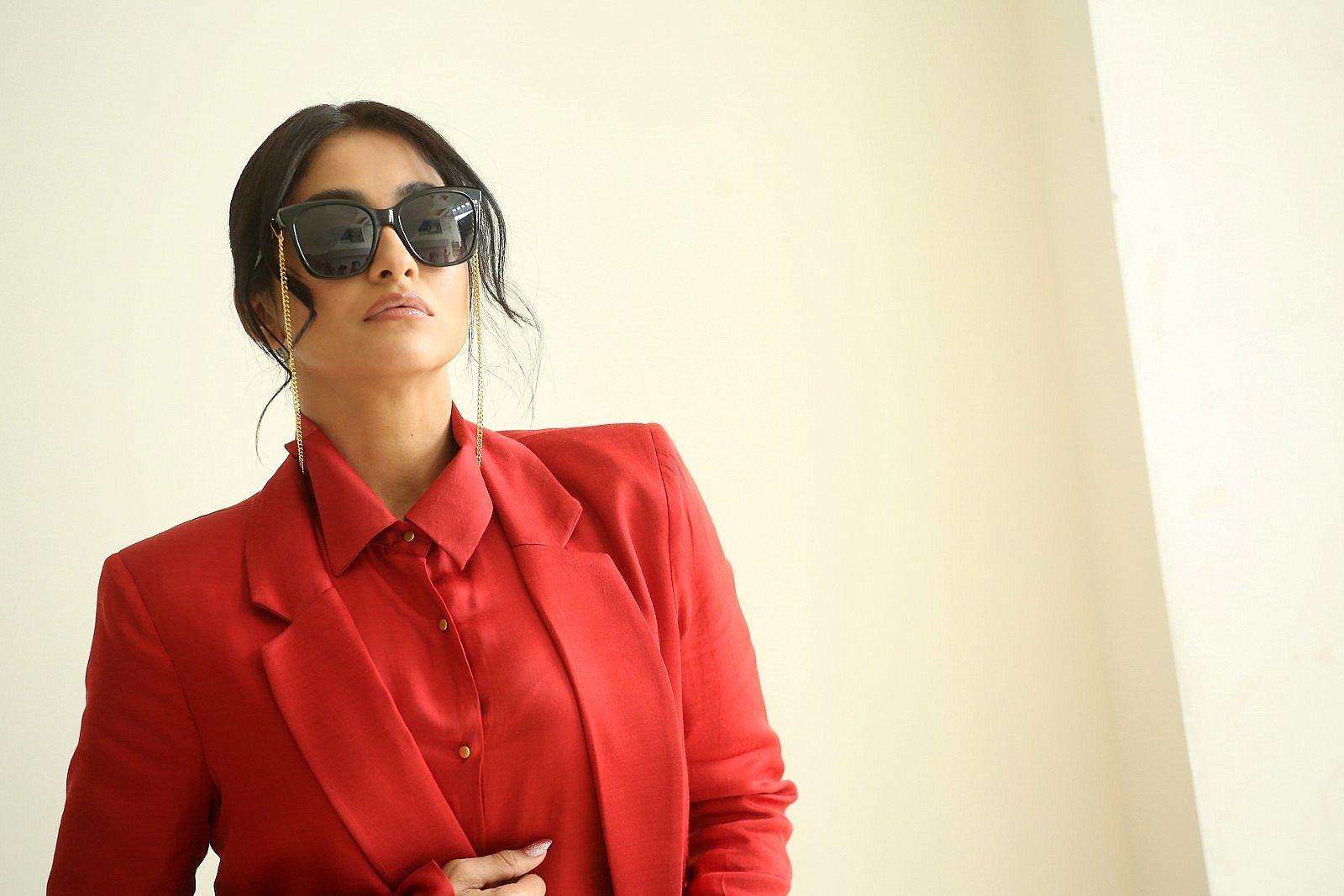 Actress Regina Cassandra New Pics @ Evaru Movie Interview
