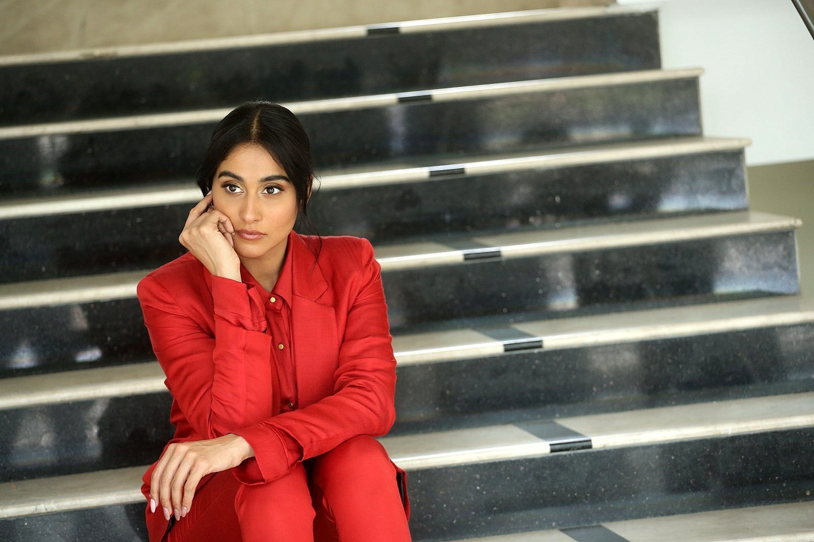 Evaru Movie Actress Regina Cassandra Interview Pics