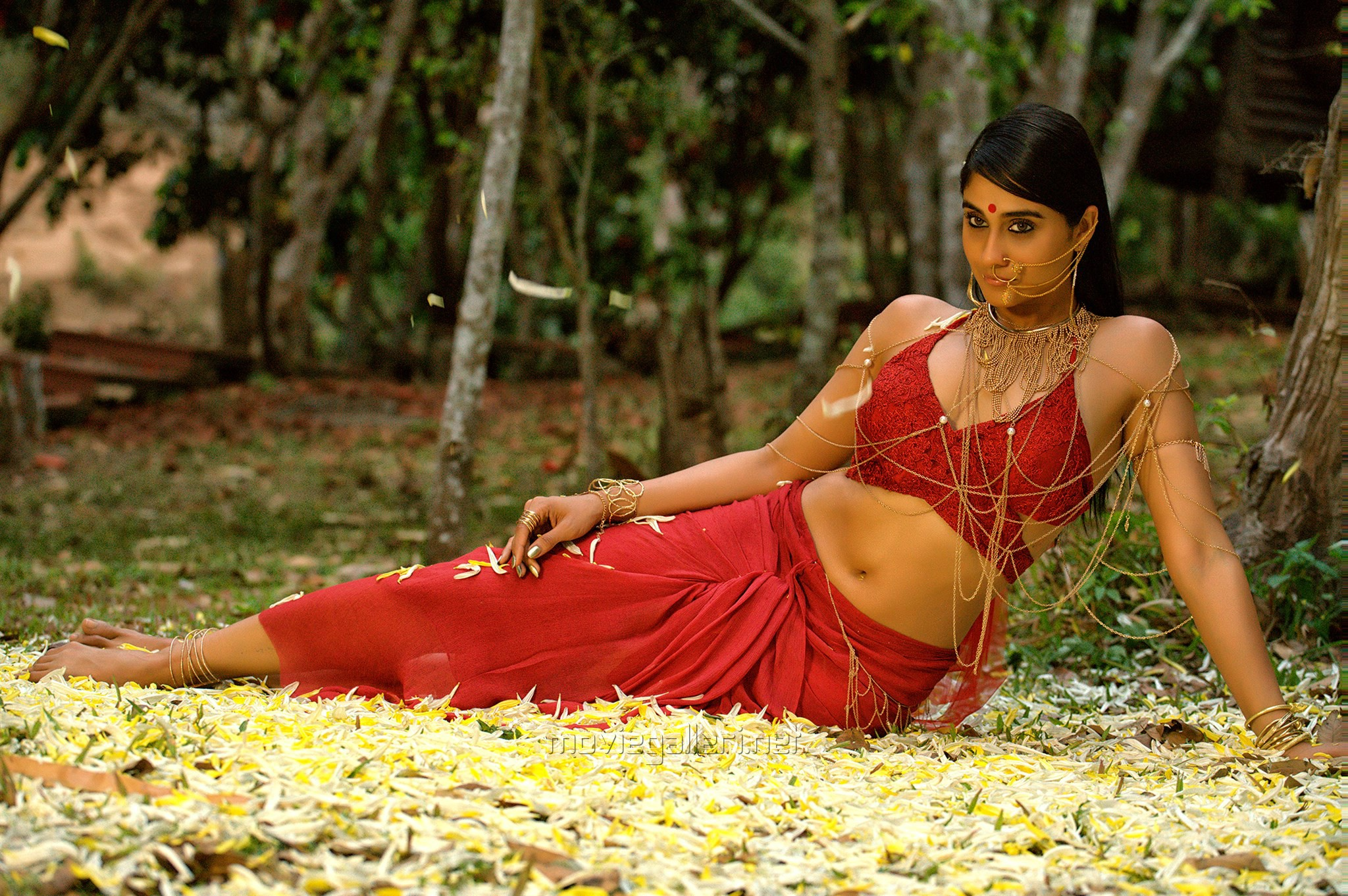 Nakshatram Actress Regina Cassandra Hot