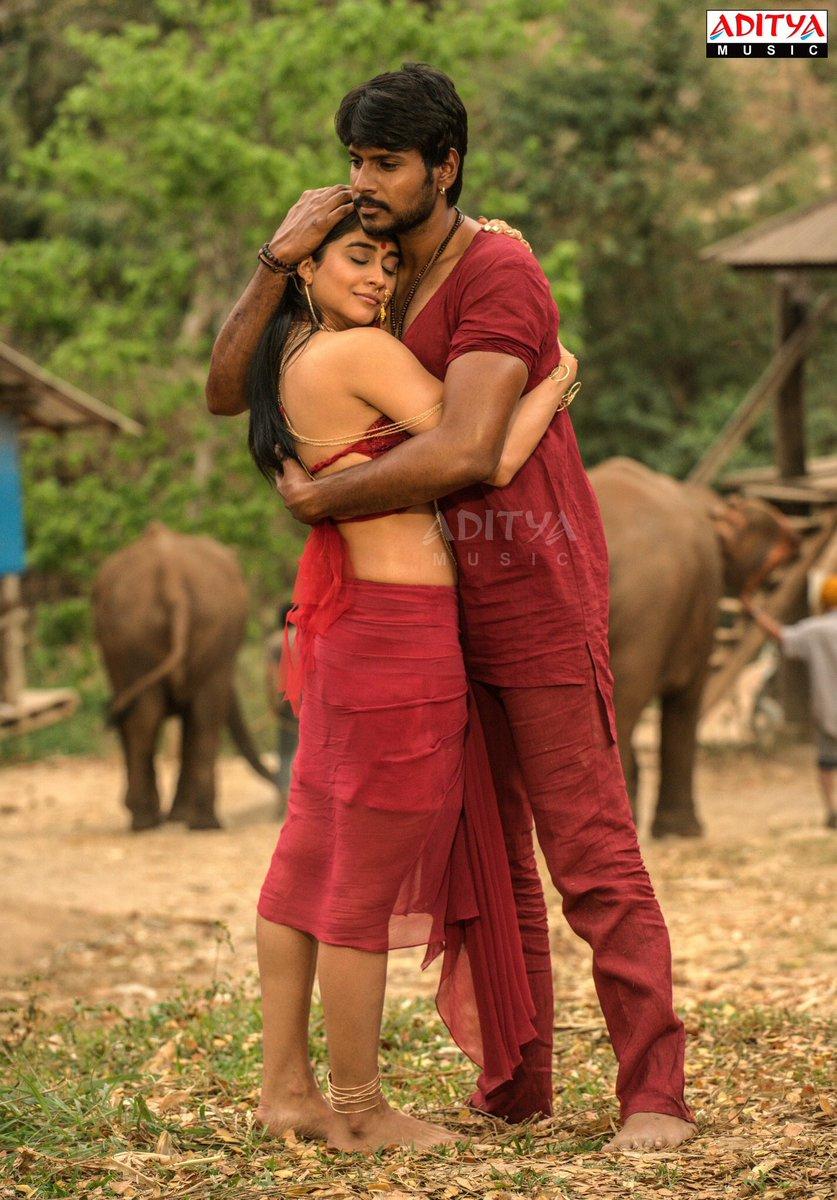 Nakshatram Movie Actress Regina Cassandra Hot Stills