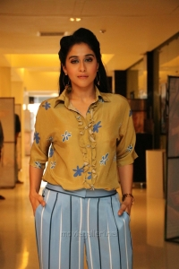 Actress Regina HD Photos @ Mr Chandramouli Audio Release
