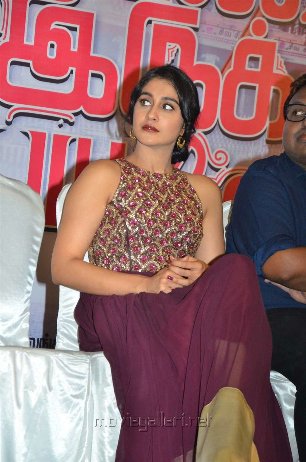 Actress Regina Cassandra Stills @ Saravanan Irukka Bayamaen Success Meet