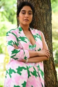 Evaru Movie Actress Regina Cassandra Hot Pics