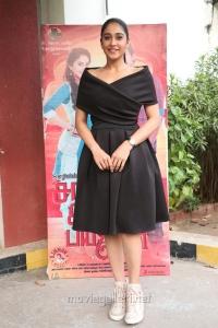 Actress Regina Cassandra Photos @ Saravanan Irukka Bayamaen Press Meet