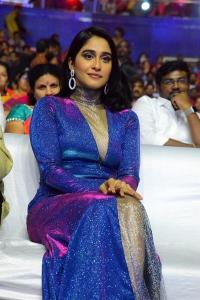 Actress Regina Latest Pictures @ Zee Telugu Cine Awards 2020 Red Carpet