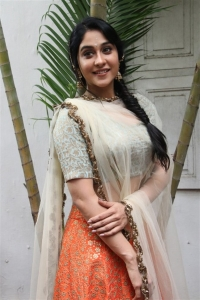 Actress Regina New Stills @ Mr Chandramouli Movie Poojai