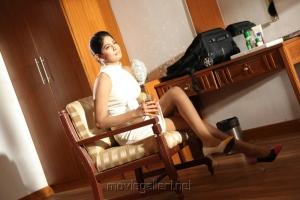 Vijayalakshmi Hot in Rendavathu Padam Latest Stills