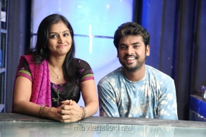 Ramya Nambeesan, Vimal in Rendavathu Padam Latest Stills