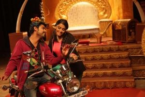 Vimal, Ramya Nambeesan in Rendavadhu Padam Tamil Movie Photos