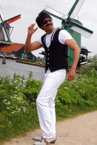 Hero Ravi Teja in Reporter Tamil Movie Stills