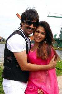 Ravi Teja, Nayanthara in Reporter Tamil Movie Stills