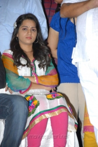 Actress Reshma in White Dress at Crescent Cricket Cup 2012 Curtain Raiser