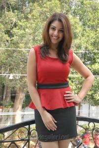 Actress Richa Gangopadhyay in hot red dress at Mirchi Success Meet