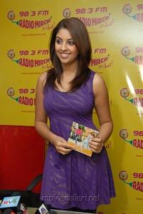 Richa Gangopadhyay releases Sir Vacharu Audio at Radio Mirchi, Hyderabad for Sarocharu Music Release
