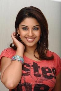 Richa Gangopadhyay Hot in Mirchi Movie Images
