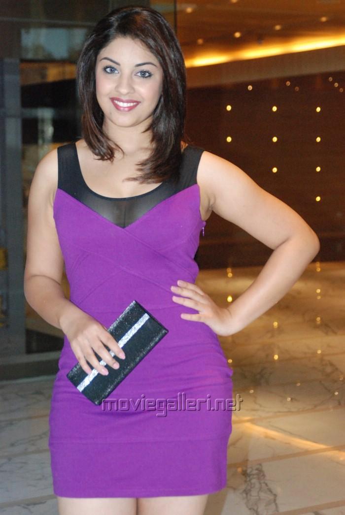 Richa Gangopadhyay Hot in HRC Calendar Launch