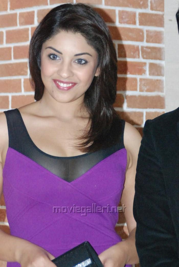 Richa Gangopadhyay Hot Actress richa gangopadhyay hot