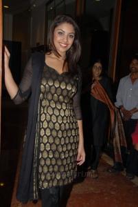 Actress Richa Gangopadhyay Pictures in Black Banaras Salwar Kameez