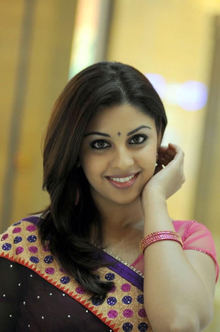 richa gangopadhyay hot videos