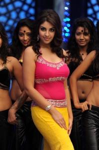 Sir Vacharu Movie Actress Richa Gangopadhyay Hot Stills