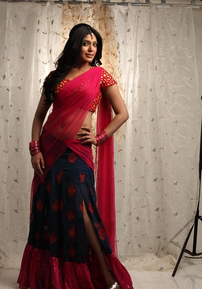 Rima Kallingal Hot Saree Photo Shoot Stills