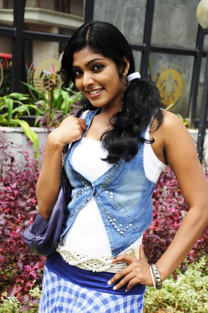 Rima Kallingal New Hot Photos