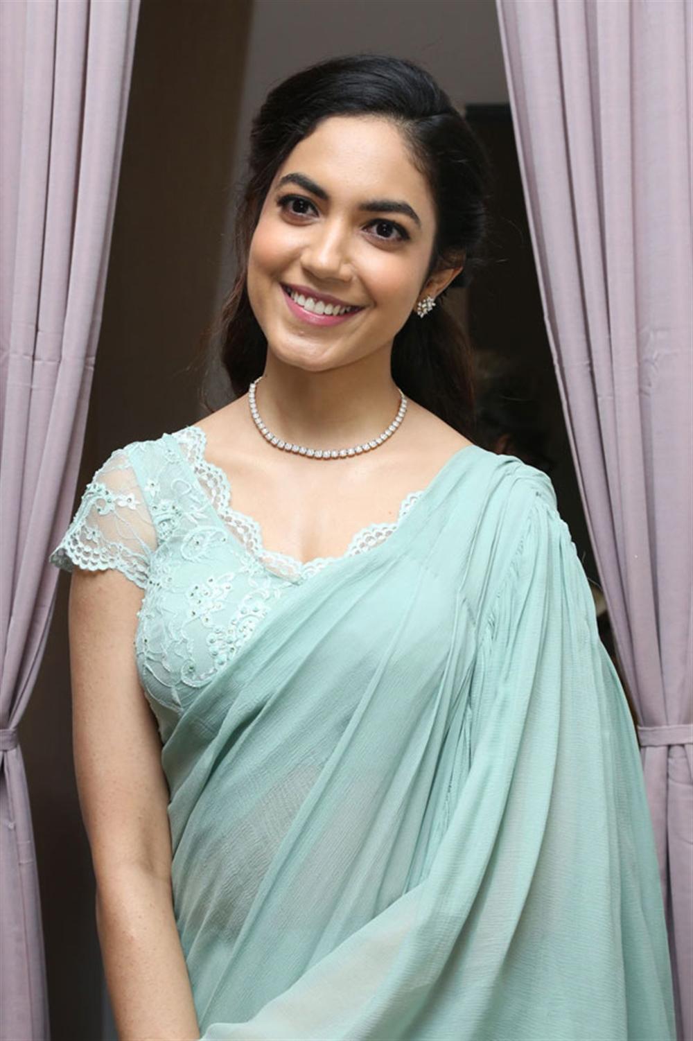 Actress Ritu Varma @ Lincy's Nail Bar Salon Inauguration Photos