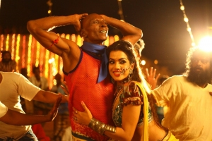 Motta Rajendran, Pooja in Robin Hood Movie Stills