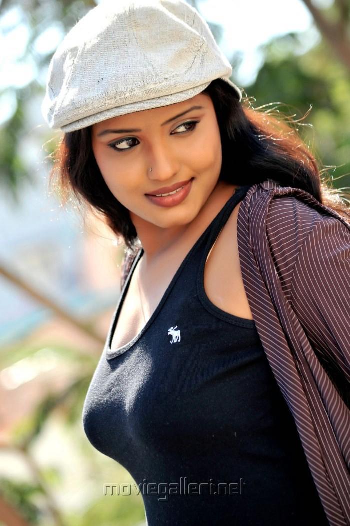 Roja Telugu Actress Acterss Wallpapers Photos Heroines Masala Actress ...