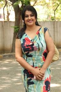 Sona Heiden @ Romba Nallavan Da Nee Movie Press Meet Stills