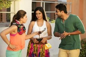 Hansika Motwani, Poonam Bajwa, Jayam Ravi in Romeo Juliet Latest Stills