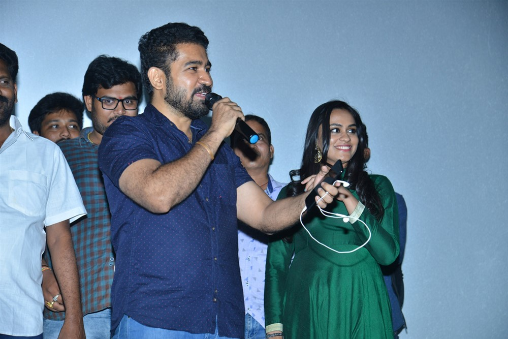Vijay Antony @ Roshagadu Movie Team @ Sri Mayuri Theatre Photos