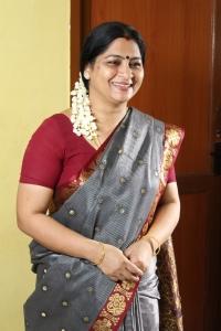 Actress Meera Krishnan in Iru Kadhal Oru Kadhai Movie Stills