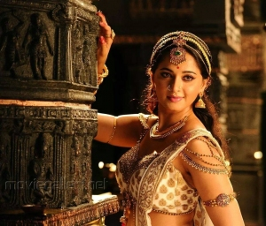 Rudramadevi Movie Actress Anushka Photos
