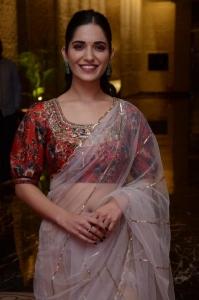 Actress Ruhani Sharma Pics @ Nootokka Jillala Andagadu Pre Release