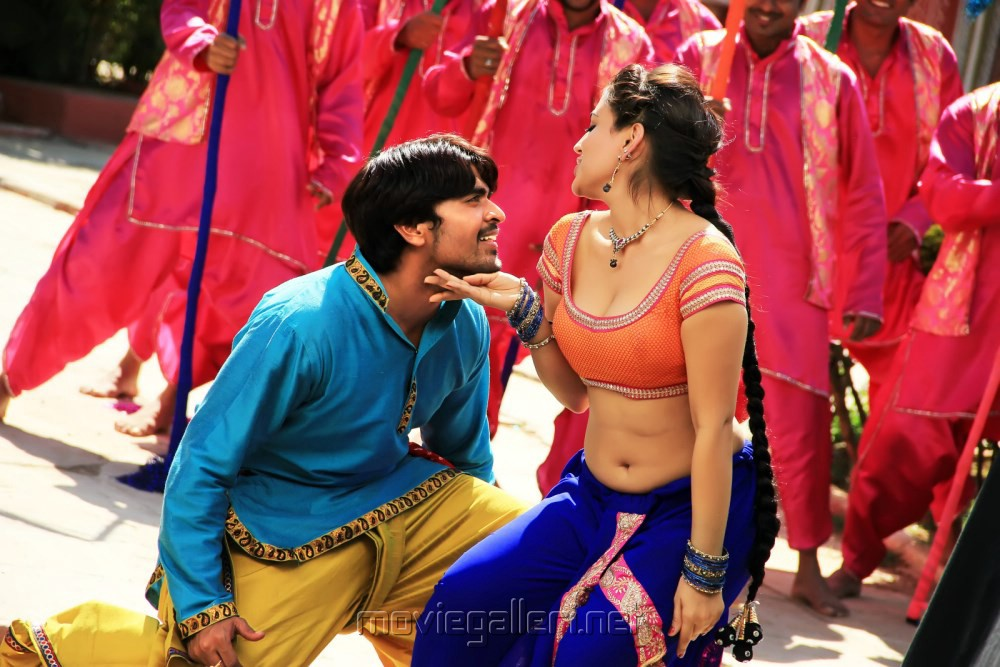 Srinivas, Aksha in Rye Rye Movie Hot Stills [ Gallery View ]