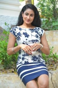 Telugu Actress Saafi Kaur Photos @ Pudingi No.1 Movie Launch