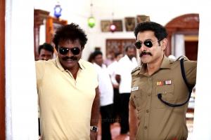 Director Hari & Hero Vikram in Saamy 2 Movie Shooting Stills HD