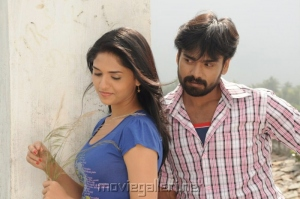 Sabareesh Sunaina @ Mic Set Pandi Movie Stills