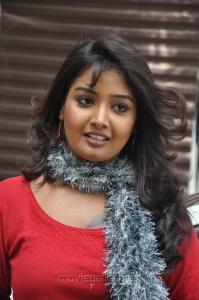 Tamil Tv Anchor Sabarna Anand Hot Photos