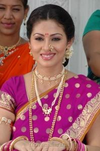 Mythri Movie Heroine Sada in Saree Cute Images