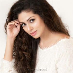 Tamil Actress Sadha Glam Photoshoot Pics