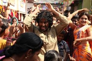 PV Prasad, Manochitra in Sagunthalavin Kadhalan Movie Stills