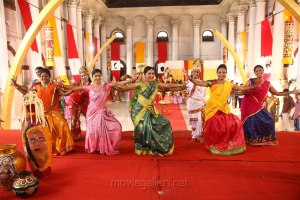 Actress Bhanu in Sagunthalavin Kadhalan Movie Stills