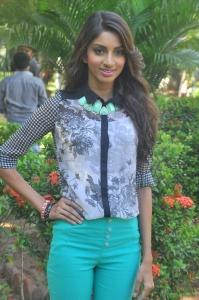 Tamil Actress Sahithya Jagannathan Photos