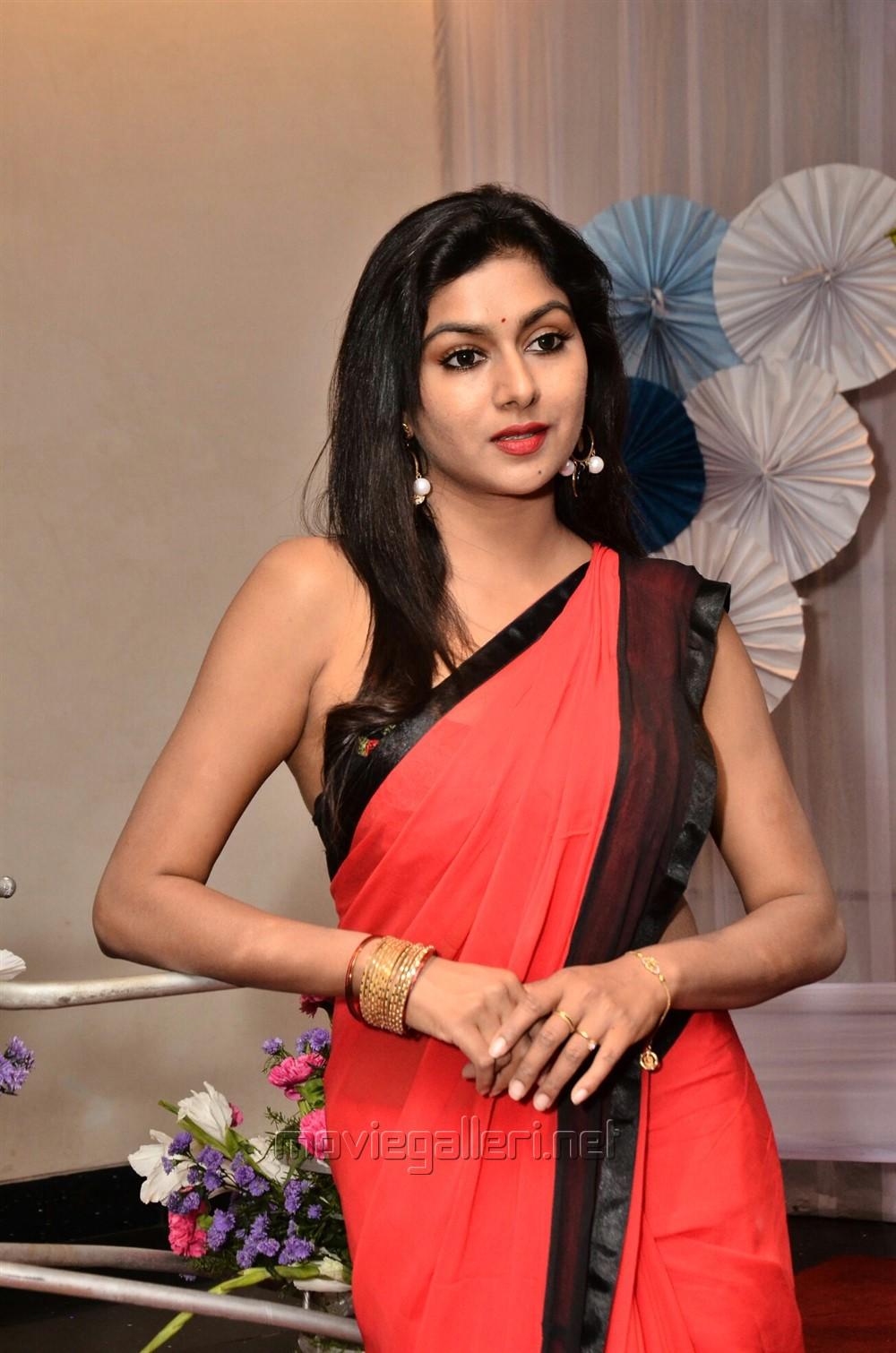 Actress Sai Akshatha Pics @ Mee Exam Android Mobile App Launch