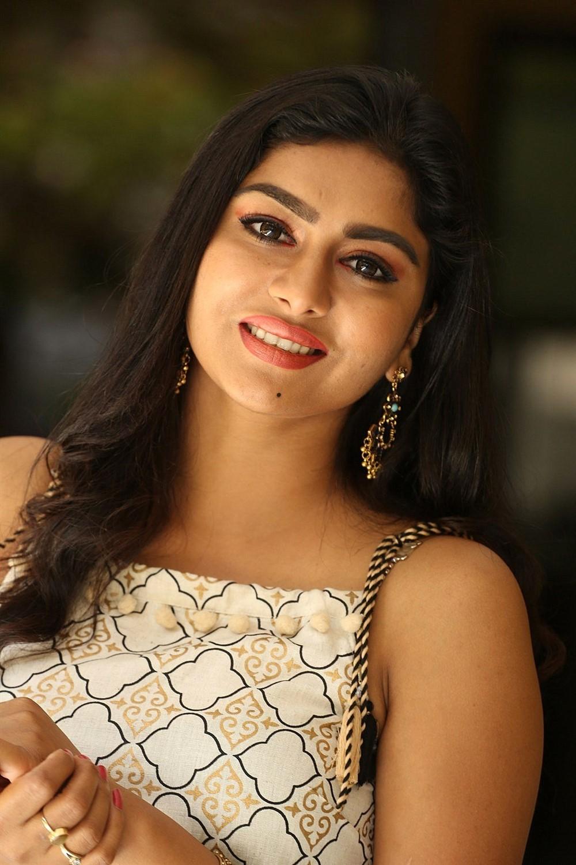 Special Movie Heroine Sai Akshatha New Photos