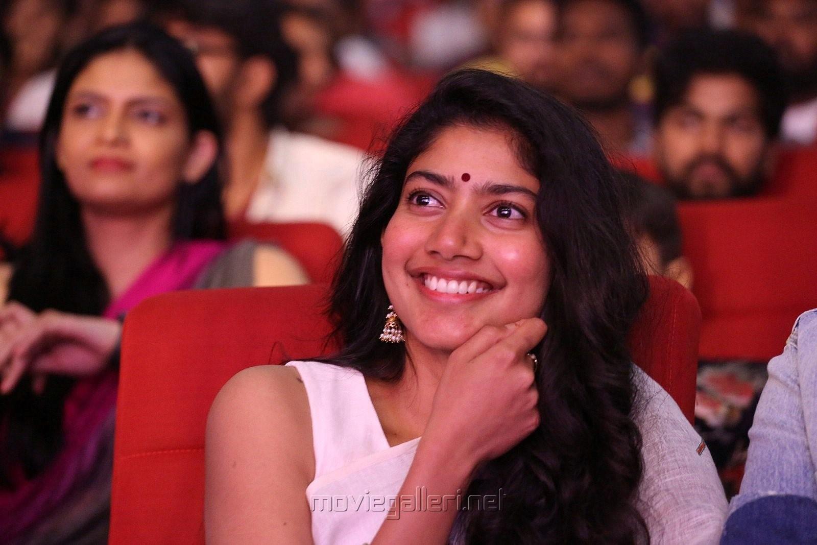 Actress Sai Pallavi HD Photos @ Padi Padi Leche Manasu Pre Release Event